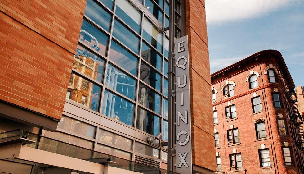 Equinox Greenwich Avenue, exteriores