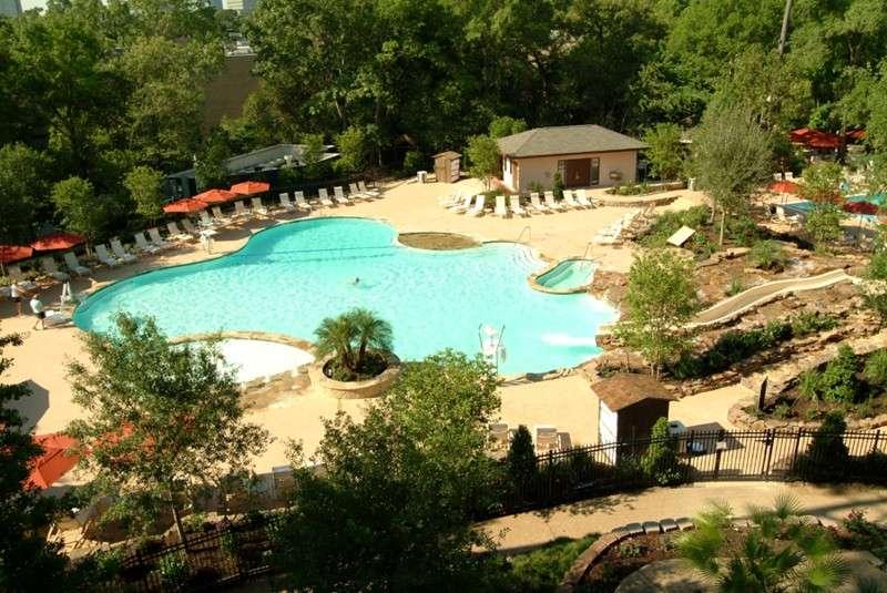 Houstonian Club, piscina