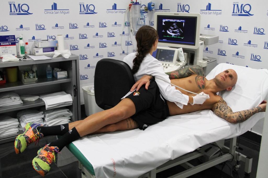 Enfréntate a las pruebas médicas con normalidad. Se trata de evaluar tu herramienta de trabajo, tu cuerpo.