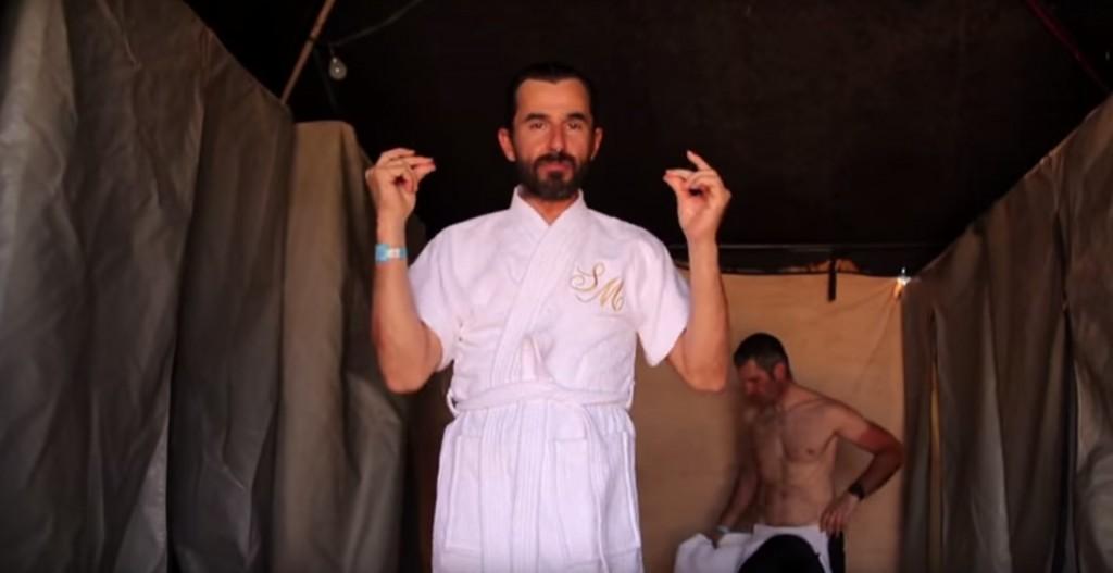 No te pierdas los programas subidos al Youtube de Imparables, donde podrás ver a Santi Millán de esta guisa.