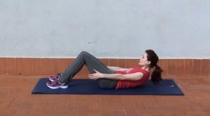 Abdominales con brazos estirados (2)