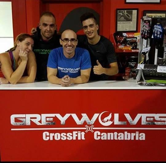 Los Agujetas Team: Angélica, Pablo, Rober y Luis Ángel