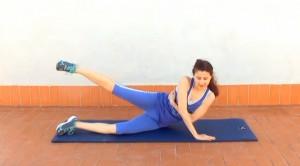Elevación lateral de pierna y cuerpo