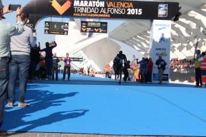 Llegada a meta Maratón Valencia 2015