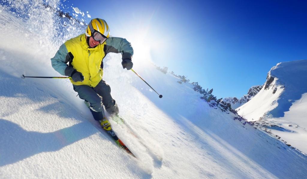 que-no-debe-faltar-en-tu-equipo-de-esquí
