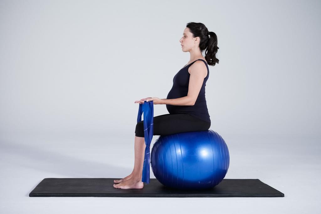 Ejercicio pilates mujer embarazada 2