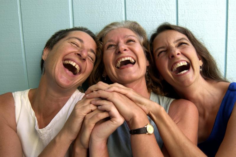 risas amigos
